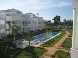 Beautiful luxury condos with views of the prettiest beach for miles around