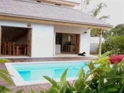 Tropical Garden Villas 2 minutes from beach!