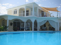 Luxurious Villa With 2 Guest Houses